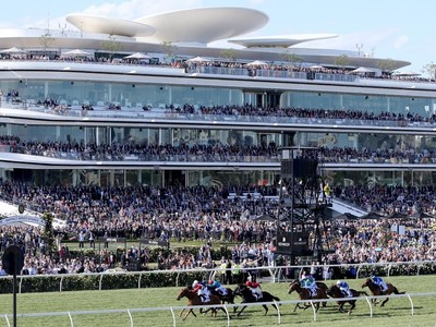 VRC Determined To Run Melbourne Cup In November Image 1